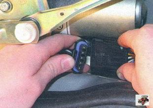 разъем проводов стеклоочистителя Лада Калина ВАЗ 1118