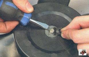 пружинный фиксатор крыльчатки вала электродвигателя охлаждения радиатора Лада Калина ВАЗ 1118