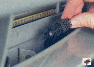 Замена датчика температуры окружающего воздуха Лада Калина ВАЗ 1118