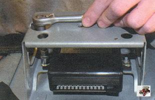 снятия и установки блока управления штатной сигнализацией Лада Калина ВАЗ 1118