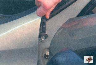 болт заднего верхнего крепления переднего крыла к кузову Лада Калина ВАЗ 1118