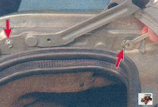 замена петель крышки багажника Лада Калина ВАЗ 1118