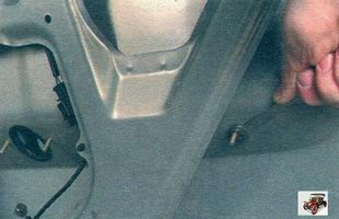 гайки крепления накладки к крышке багажника Лада Калина ВАЗ 1118