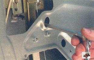 гайка переднего крепления ручки двери Лада Калина ВАЗ 1118