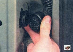 Снятие и установка передней двери Лада Калина ВАЗ 1118