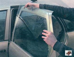 стекло задней двери Лада Калина ВАЗ 1118