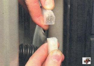 Снятие и установка задней двери Лада Калина ВАЗ 1118