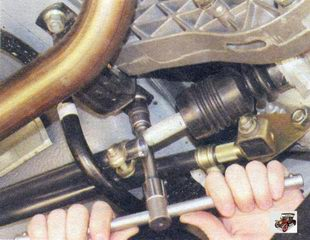 левая гайка подушки задней опоры двигателя Лада Калина ВАЗ 1118