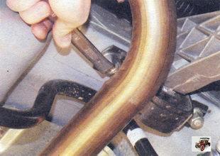 правая гайка крепления подушки двигателя к кузову Лада Калина ВАЗ 1118