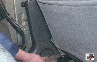 облицовка центральной стойки кузова Лада Калина ВАЗ 1118