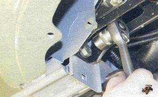 болт крепления подушки двигателя к лонжерону кузова Лада Калина ВАЗ 1118