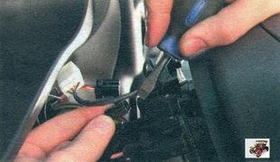 разъем жгута проводов звукового сигнала Лада Калина ВАЗ 1118