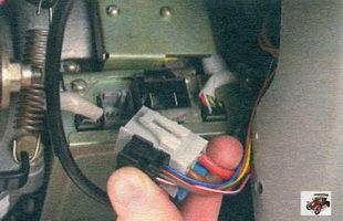разъем жгута проводов электроусилителя рулевого управления Лада Калина ВАЗ 1118