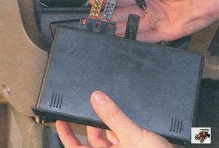 разъемы жгута проводов и разъем антенны