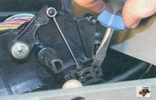 фиксаторы оболочек тросов управления отопителем Лада Калина ВАЗ 1118