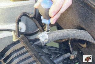 шланг к вакуумному усилителю тормозов Лада Калина ВАЗ 1118