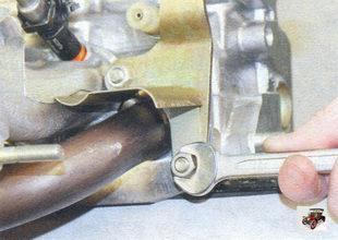 гайки крепления переднего теплоизоляционного щитка и транспортного рыма Лада Калина ВАЗ 1118