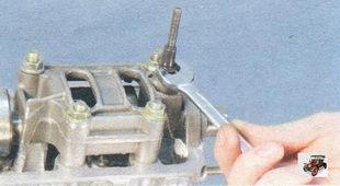 шпилька крепления крышки головки блока цилиндров Лада Калина ВАЗ 1118