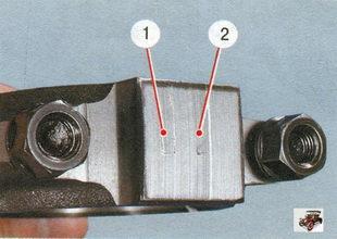 маркировка шатуна нанесена на его крышке: 1 - класс шатуна по массе (буква или краска); 2 - класс шатуна по пальцу