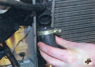верхний патрубок радиатора Лада Калина ВАЗ 1118