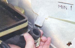 жидкостный шланг расширительного бачка Лада Калина ВАЗ 1118