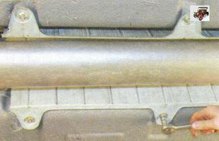 гайки крепления термоэкрана к основанию кузова Лада Калина ВАЗ 1118