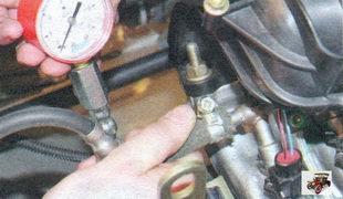 проверка давления топлива в системе питания двигателя Лада Калина ВАЗ 1118