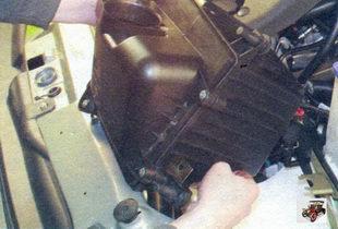 воздушный фильтр Лада Калина ВАЗ 1118 в сборе с кронштейнами и воздухоприемной трубой