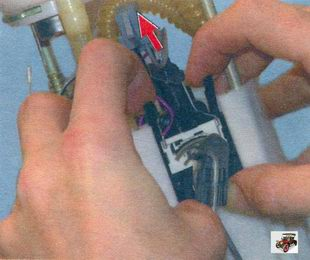фиксатор датчика уровня топлива Лада Калина ВАЗ 1118