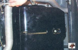 гайки крепления защитного экрана бензобака Лада Калина ВАЗ 1118