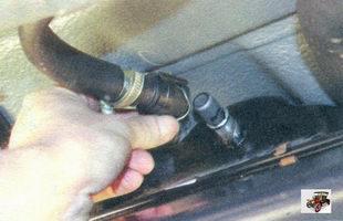 шланг воздухоотводящего трубопровода наливной трубы
