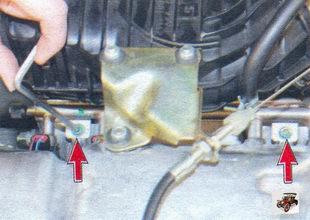 болты крепления топливной рампы к впускной трубе Лада Калина ВАЗ 1118