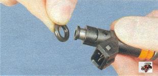 уплотнительное кольцо форсунки со стороны топливной рампы Лада Калина ВАЗ 1118