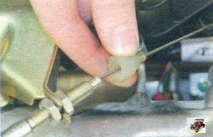 защитный колпачок наконечника троса привода дроссельной заслонки Лада Калина ВАЗ 1118