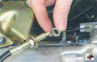 гайка наконечника троса привода дроссельной заслонки