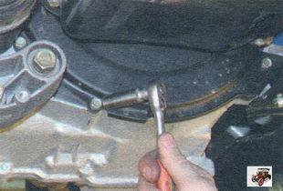 болты крепления передней крышки картера сцепления Лада Калина ВАЗ 1118