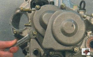 гайки крепления задней крышки коробки передач Лада Калина ВАЗ 1118
