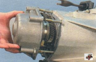 задняя крышка коробки передач Лада Калина ВАЗ 1118