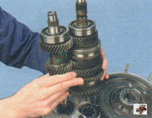 первичный и вторичный валы коробки передач Лада Калина ВАЗ 1118
