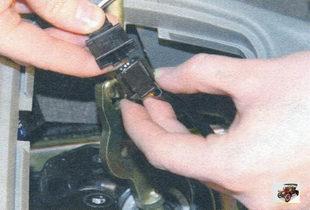 колодка жгута проводов выключателя соленоида блокировки включения передачи заднего хода