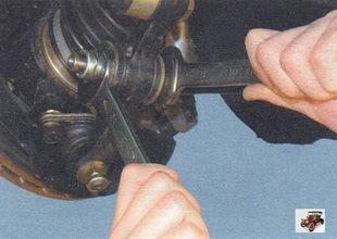 замена растяжки и кронштейна крепления растяжки Лада Калина ВАЗ 1118