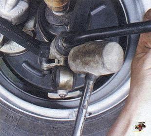замена деталей стабилизатора поперечной устойчивости передней подвески Лада Калина ВАЗ 1118