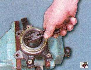 стопорное кольцо поворотного кулака Лада Калина ВАЗ 1118
