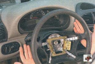 снятие рулевого колеса Лада Калина ВАЗ 1118