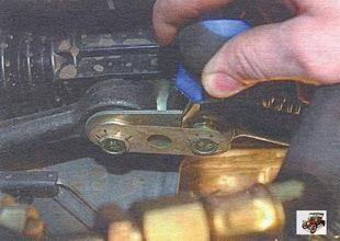 снятие и установка внутреннего наконечника рулевой тяги Лада Калина ВАЗ 1118