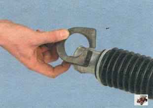 резиновые подушки хомутов крепления рулевой рейки Лада Калина ВАЗ 1118