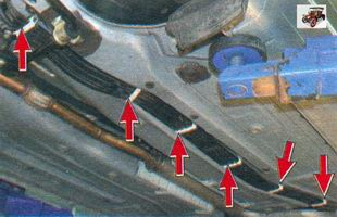 места крепления тормозных трубок в держателях