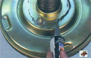 снятие вакуумного усилителя тормозов Лада Калина ВАЗ 1118