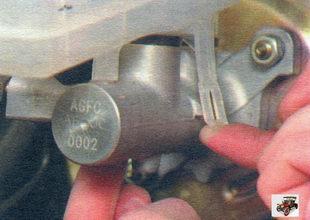 фиксаторы тормозного бачка Лада Калина ВАЗ 1118