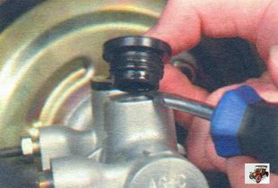 резиновая втулка крепления тормозного бачка Лада Калина ВАЗ 1118